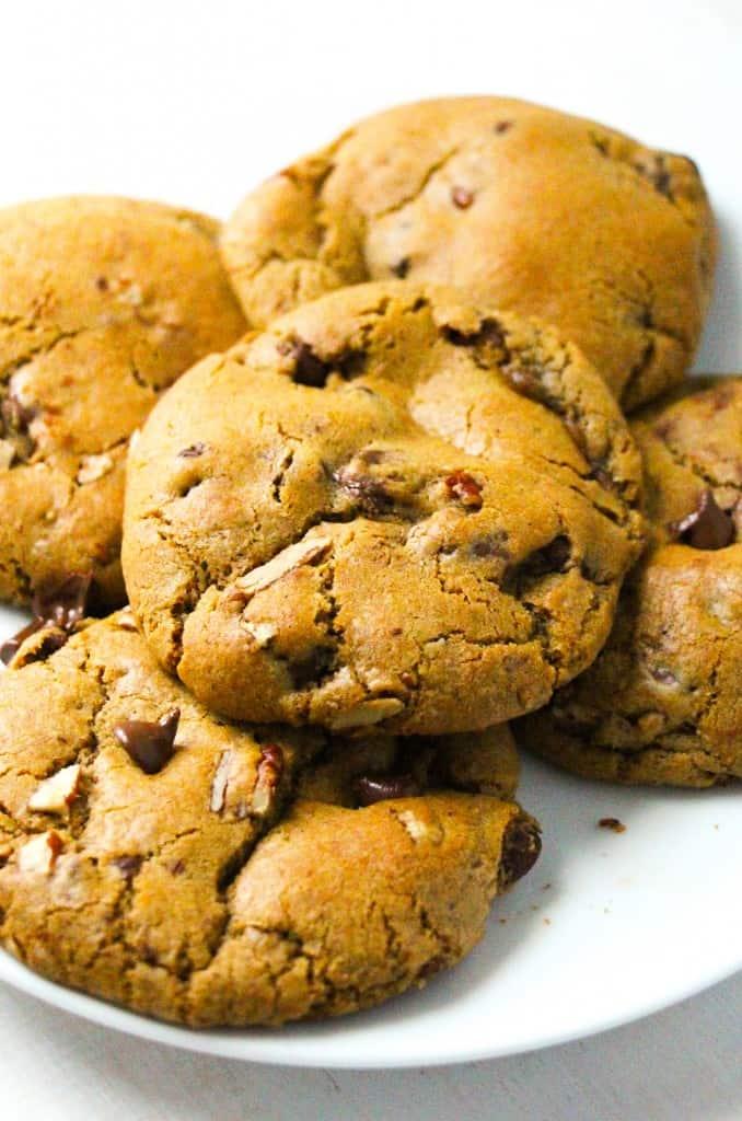 nutella-stuffed-pumpkin-chocolate-chip-cookies-8