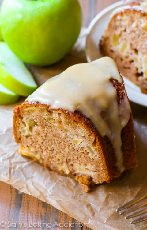 Glazed-Apple-Bundt-Cake