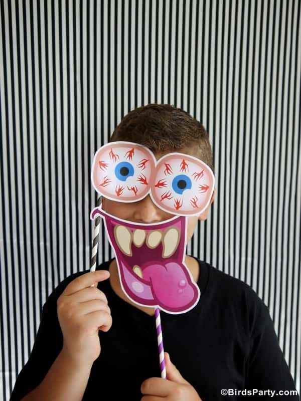 halloween-party-ideas-photo-booth-props-free-printables10