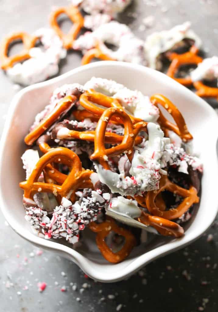 peppermint-bark-pretzels-9