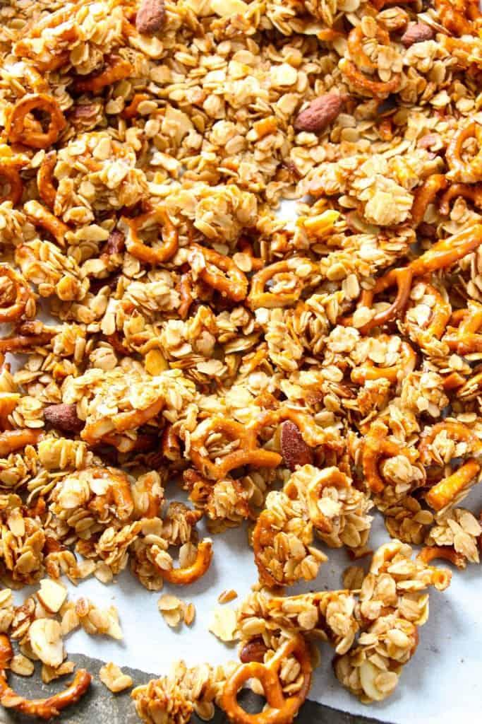 pretzel-granola-3