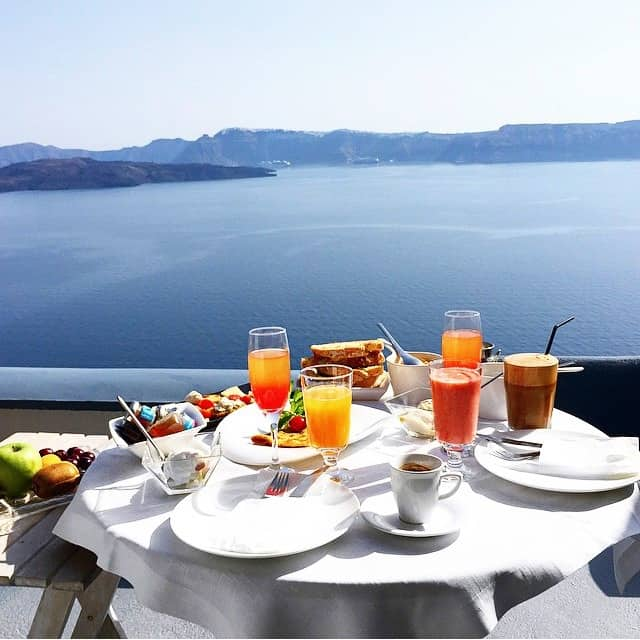 breakfast-santorini-greece