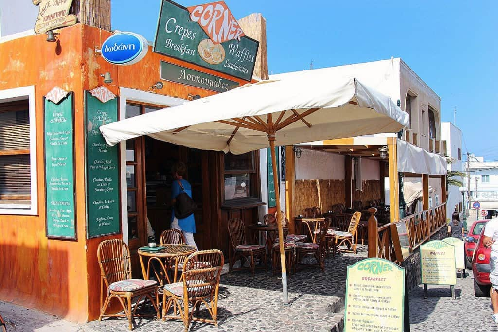 corner-bakery-santorini-greece-5