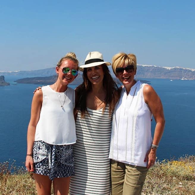 dimitris-lola-tour-guide-santorini-greece