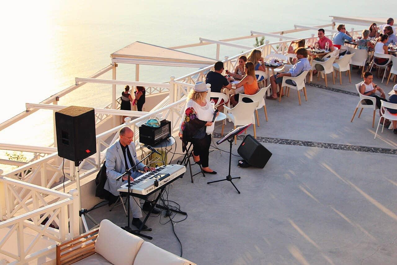 santo-winery-live-music-santorini-greece