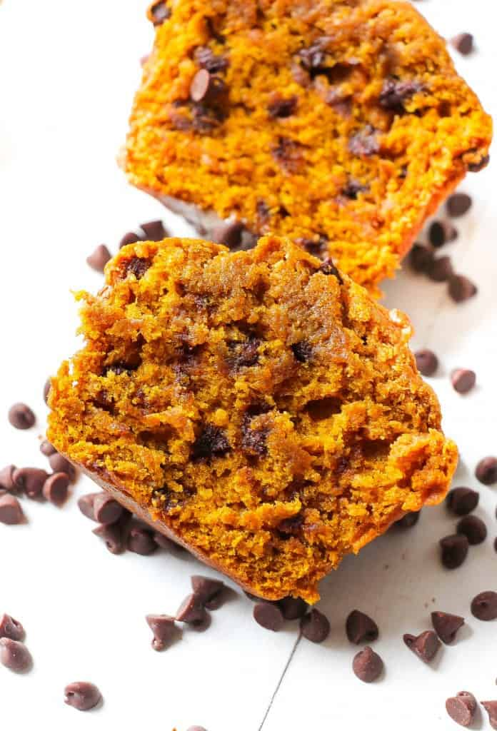 browned-butter-pumpkin-chocolate-chip-muffins-4
