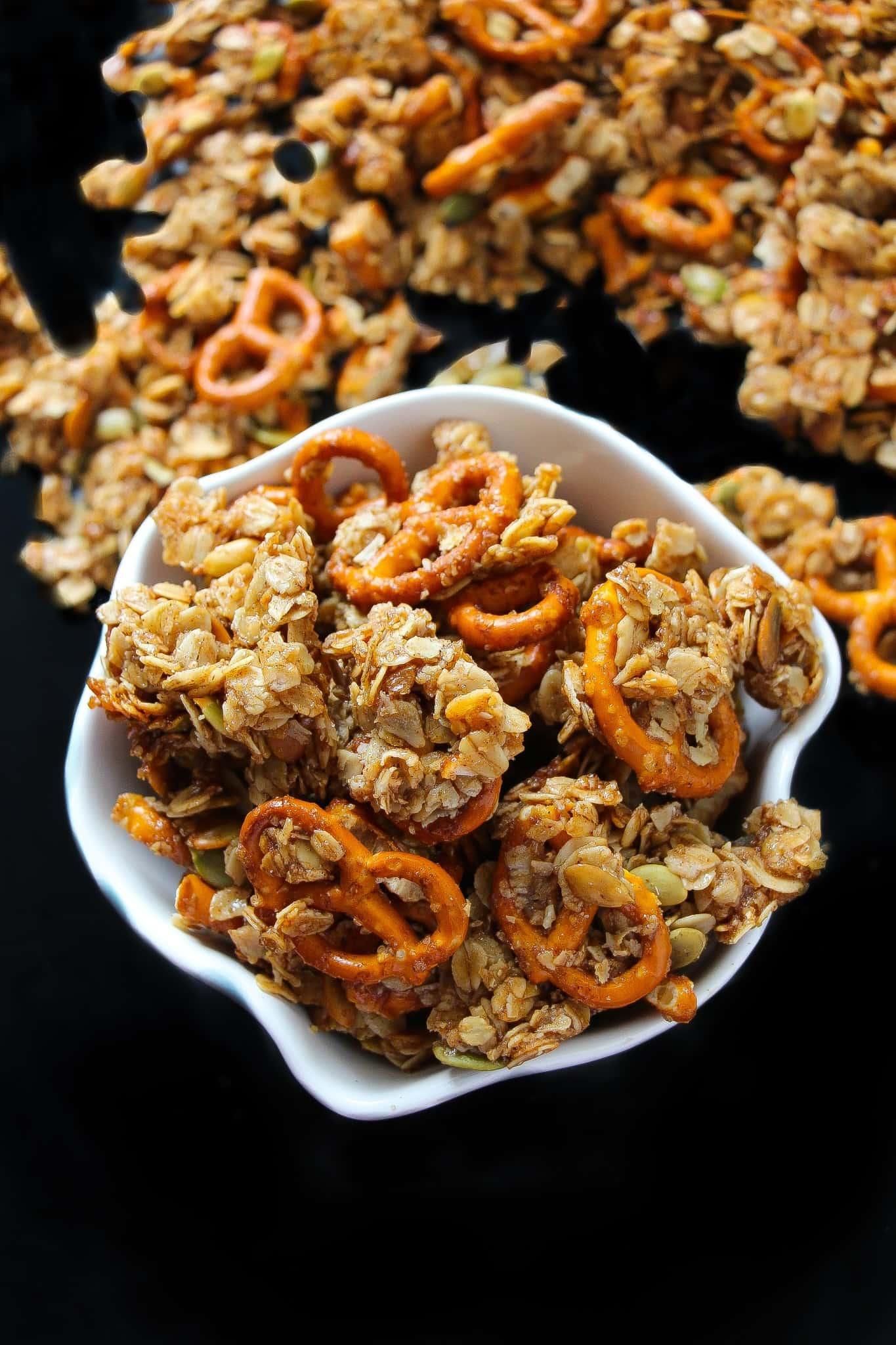 pumpkin-pie-pretzel-granola-2