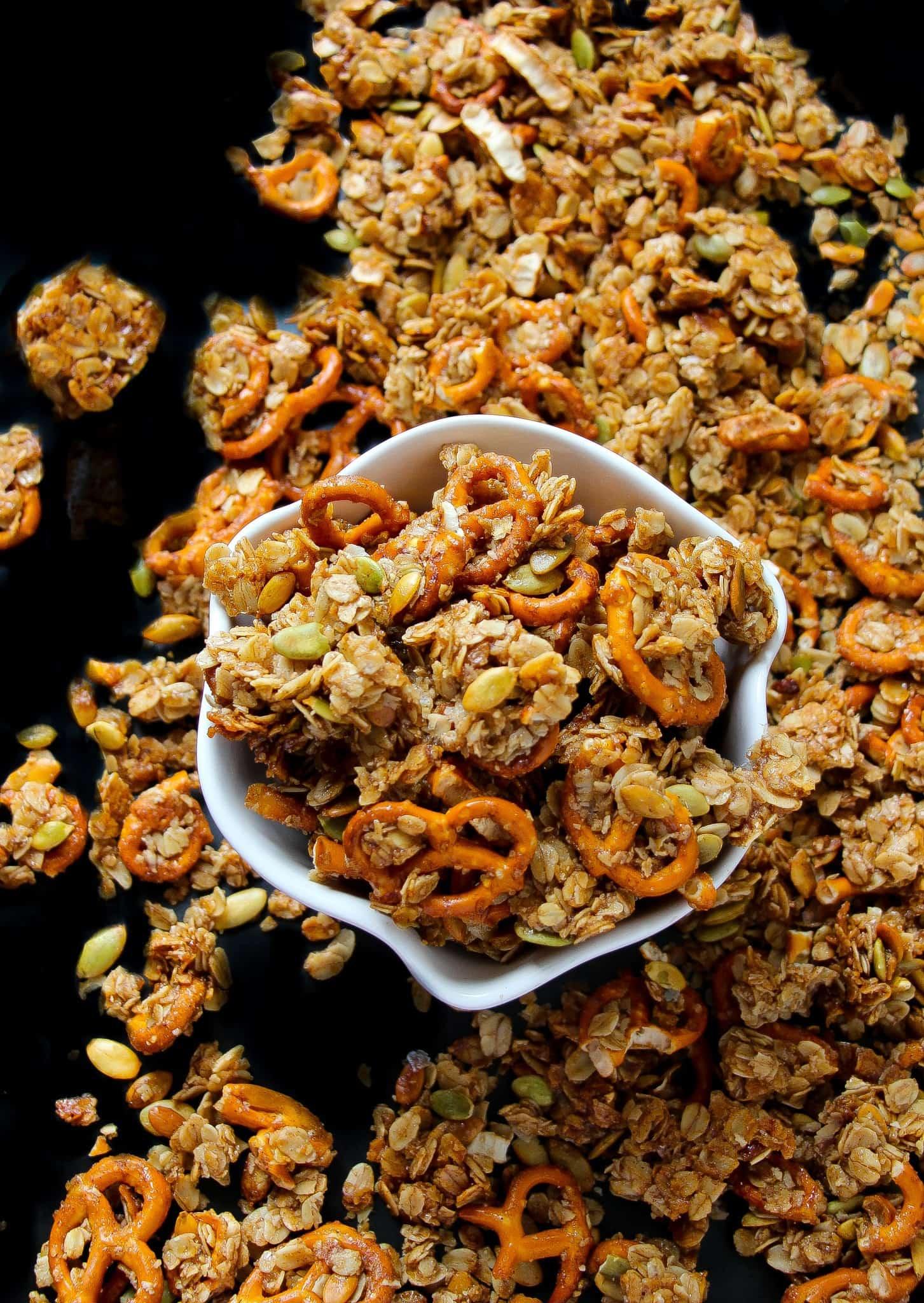 pumpkin-pie-pretzel-granola-4